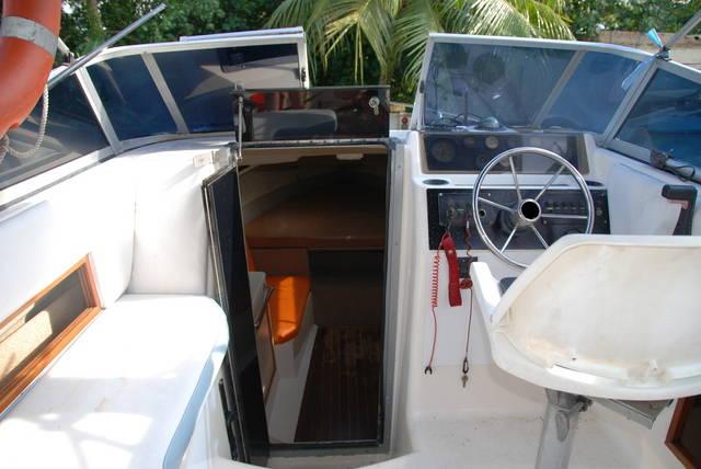 BOAT FOR SALE BEAUTIFUL SEASWIRL CORDOVA 230 CUDDY